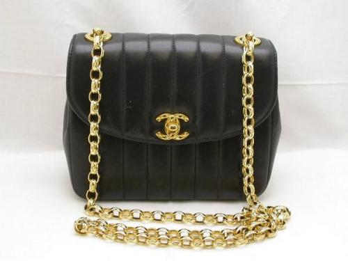 Chanel_Gold_chai_4a78911170ccf